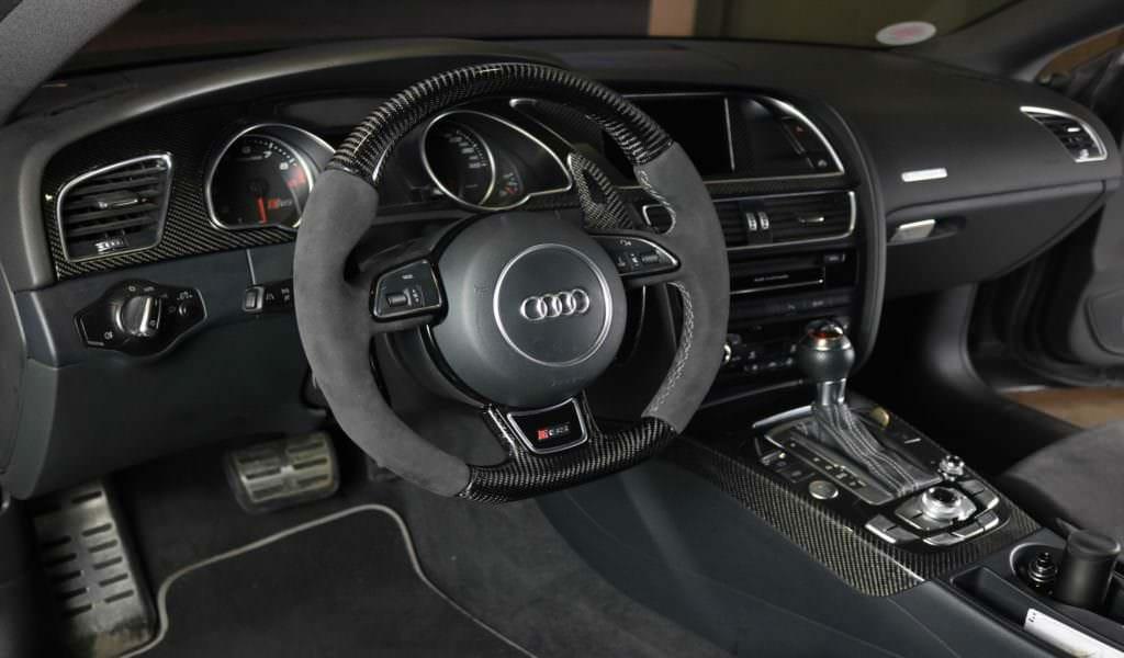 AUDI RS5 Alcantara & Carbon